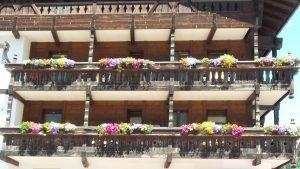 Moena balconi fioriti