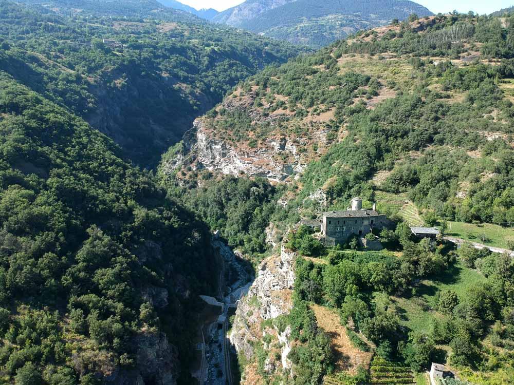 via Francigena in moto - panorama dall'alto castello di Nus