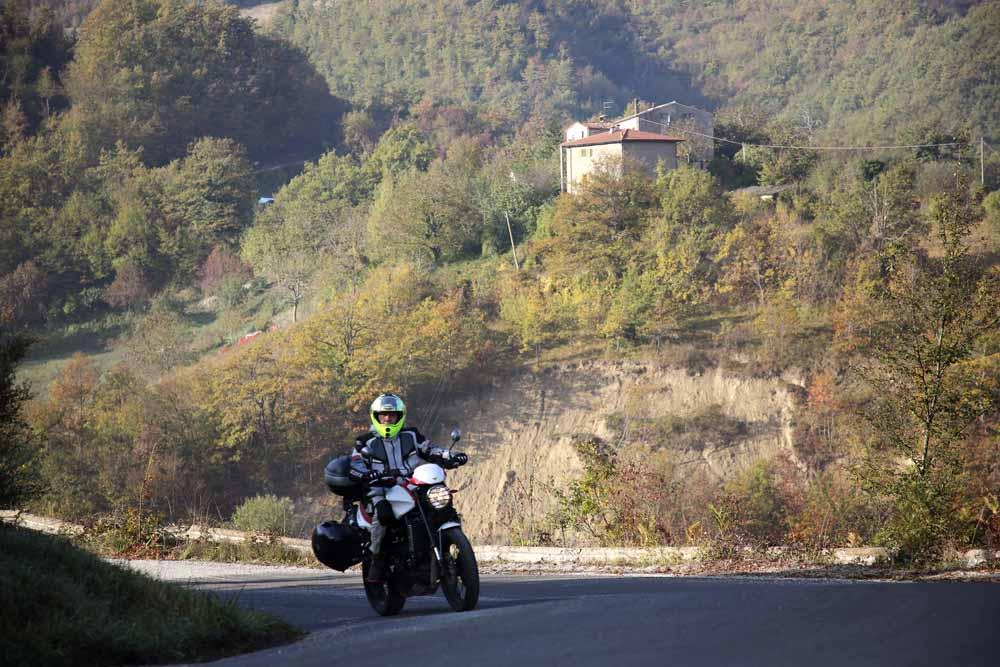 marche in moto - verso Apecchio