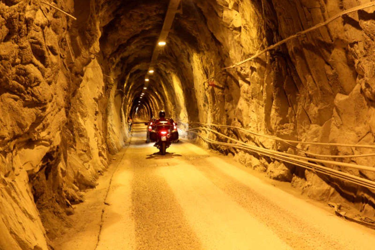 Toscana in moto - cave apuane